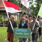 Alm. Ahmad Adam meninggal dunia akibat tembakan Aparat Brimob bayaran PT. WKS saat melakukan aksi blokade di Sungai Pengabuan pada 10 November 2010 lalu.