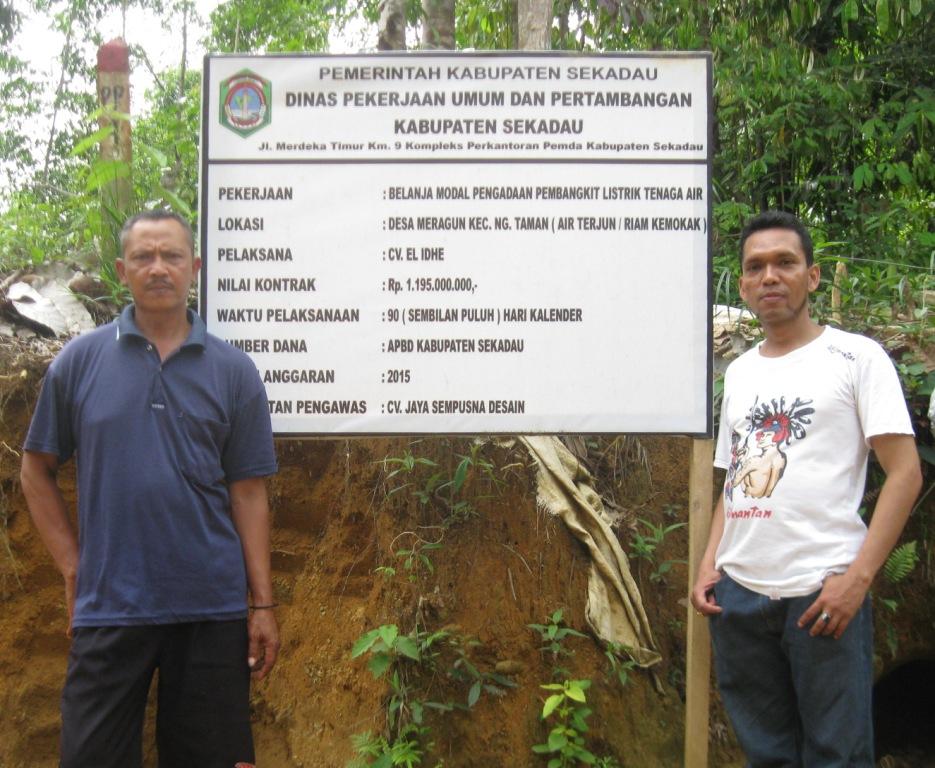 Wagiman Anggota Tim Teknis Pembangunan PLTMH Air Terjun Riam Kemokak. (KpSHK, 16/12/15)