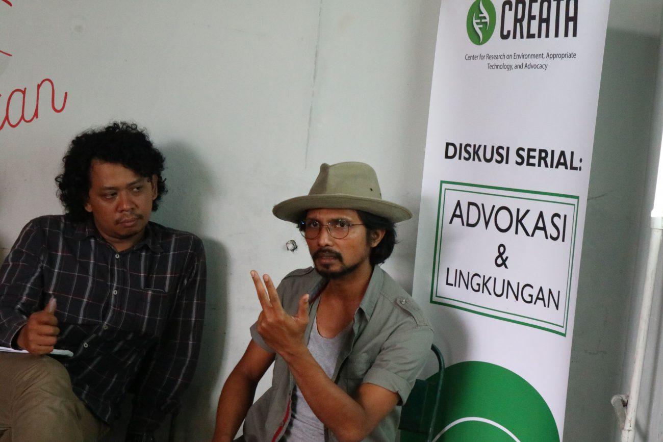 Moh. Djauhari (Koordinator KPSHK) dan Arief Rahman P4W-IPB (dari kanan)