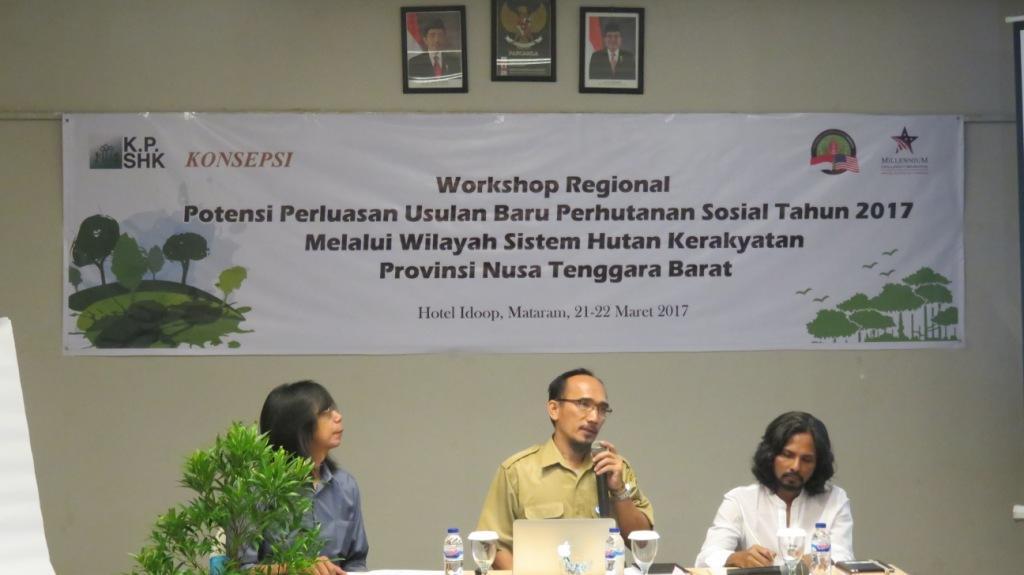 Sulistiyono (moderator) , Samsudin (BAPPEDA NTB Kasubdit Perencanaan Wilayah) dan M. Djaohari (Direktur KPSHK)
