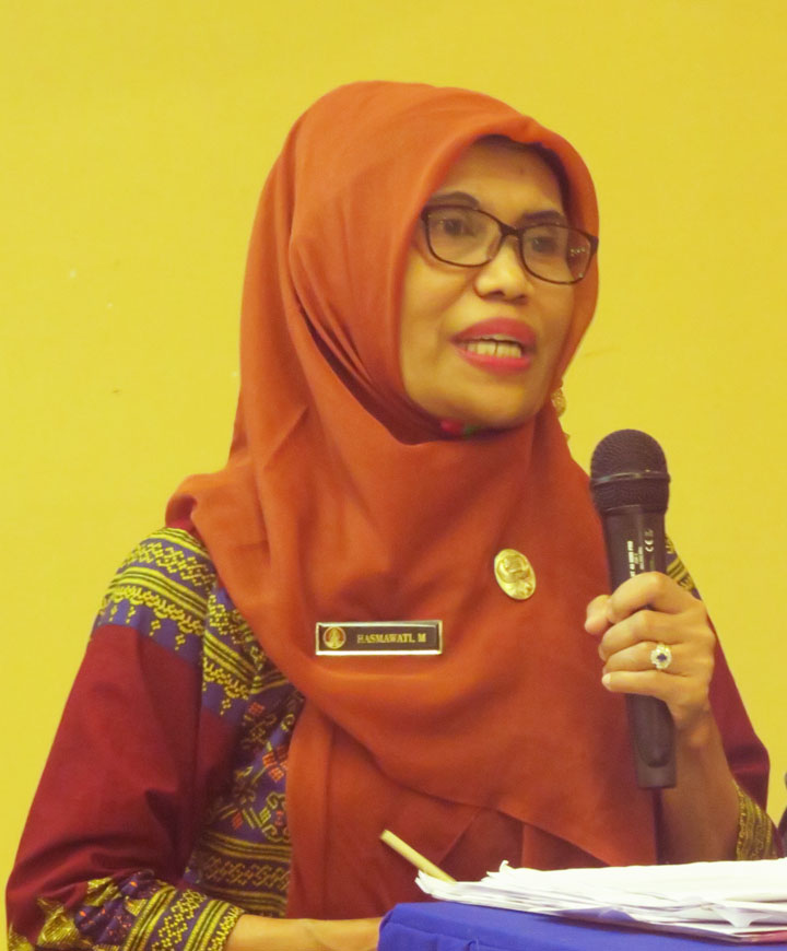Penyampaian perkembangan dan dinamika Perhutanan Sosial oleh Hasmawati Marassi (Dinas  Kehutanan Prov. Sultra)
