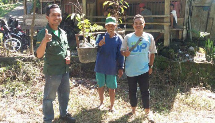 Amak Jamil Petani di Blok 1 penerima bibit Desa Santong
