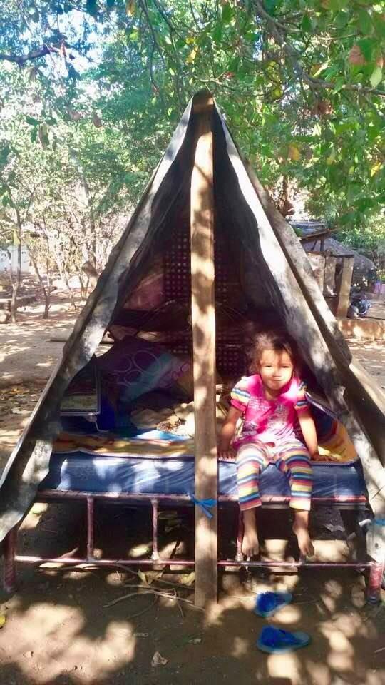 Dok.KPSHK. Foto. Jumahir (HKm Sambelia). Seoarang Anak dalam Tenda Pengungsian Akibat Gempa 6,8 SR di Sambelia Lombok Timur (29/07/2018).